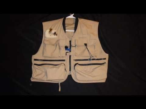 How To Use Your Fly Fishing Vest Rod Holder – DFF009